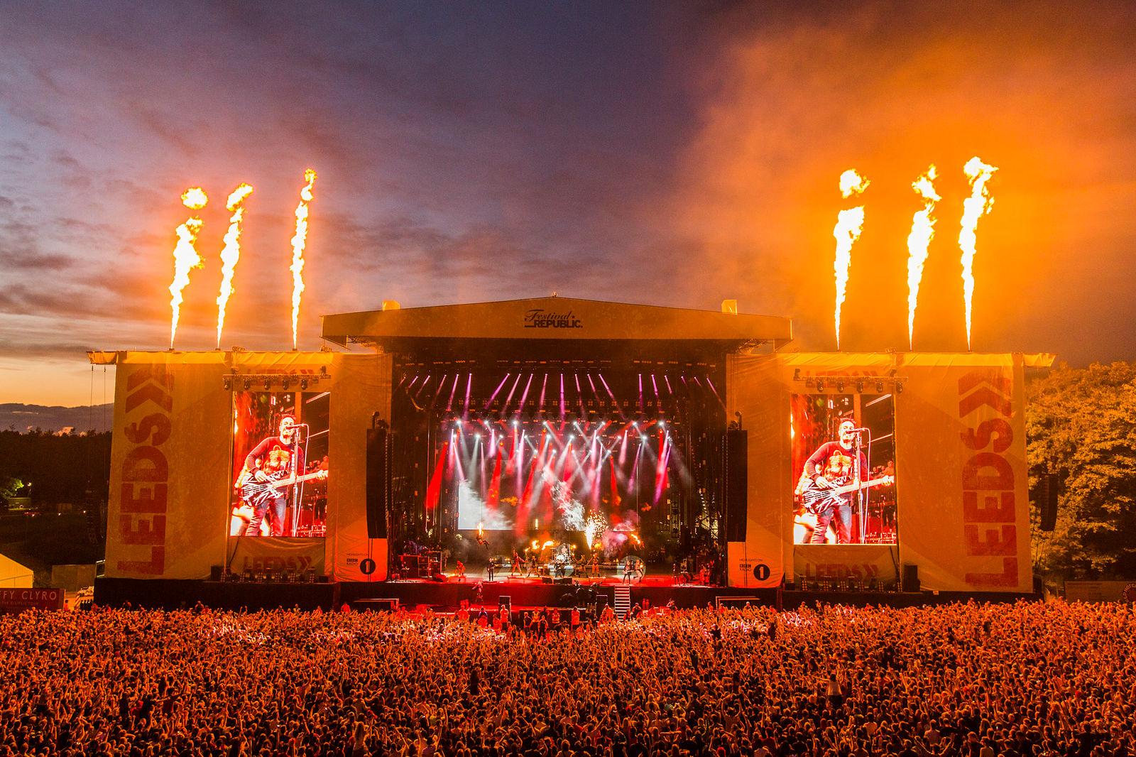 Escenario principal del Festival de Leeds en Reino Unido por Tom Martin © Tom Martin