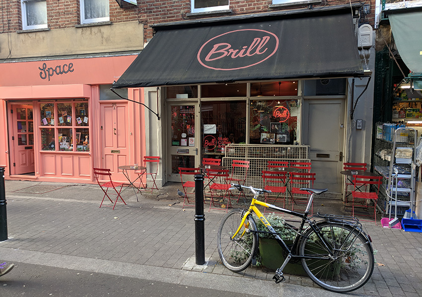 Brill (Exmouth Market) / Bagels, folk, rock y blues